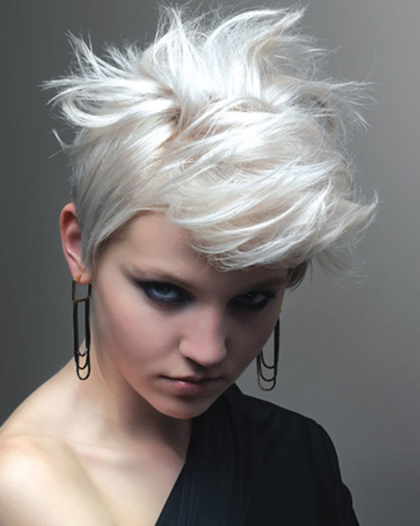 Messy Hairstyles For Short Hair  30 Cute and Easy Messy Short Hairstyles For Women
