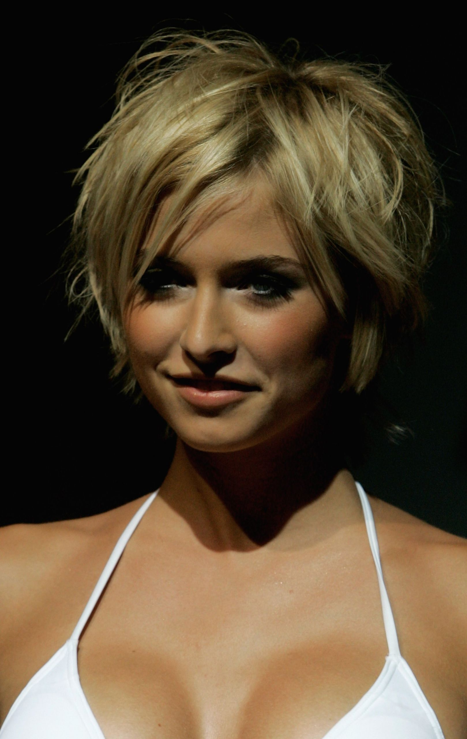 Messy Hairstyles For Short Hair  20 Romantic Messy Hairstyles with MagMent