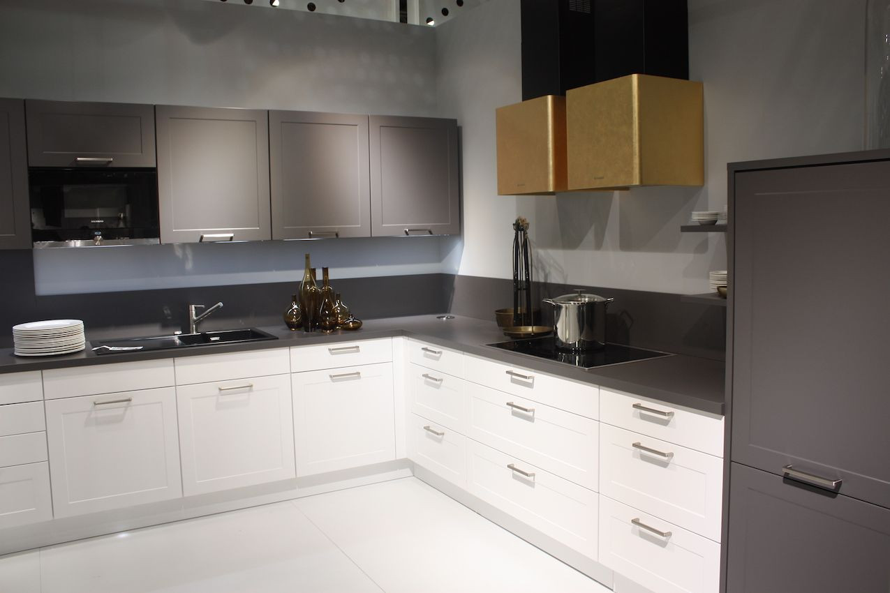 Modern Handles For Kitchen Cabinet  Change Up Your Space with New Kitchen Cabinet Handles