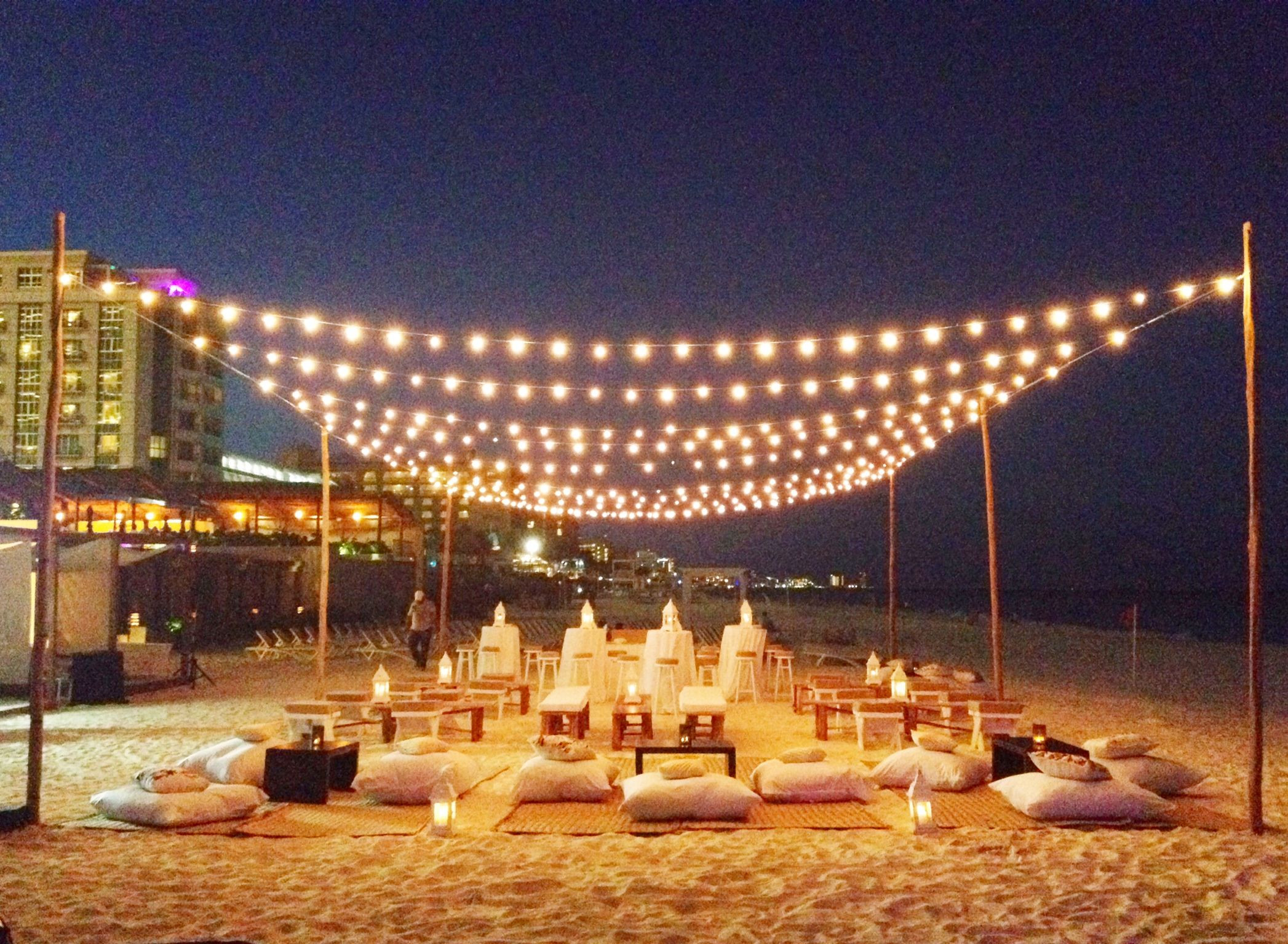 Outdoor Beach Party Ideas  romantic and intimate beach party set up