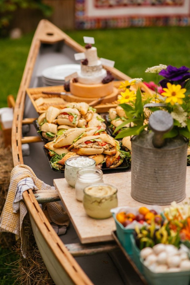 Outdoor Beach Party Ideas  How to set up an outdoor buffet in a canoe
