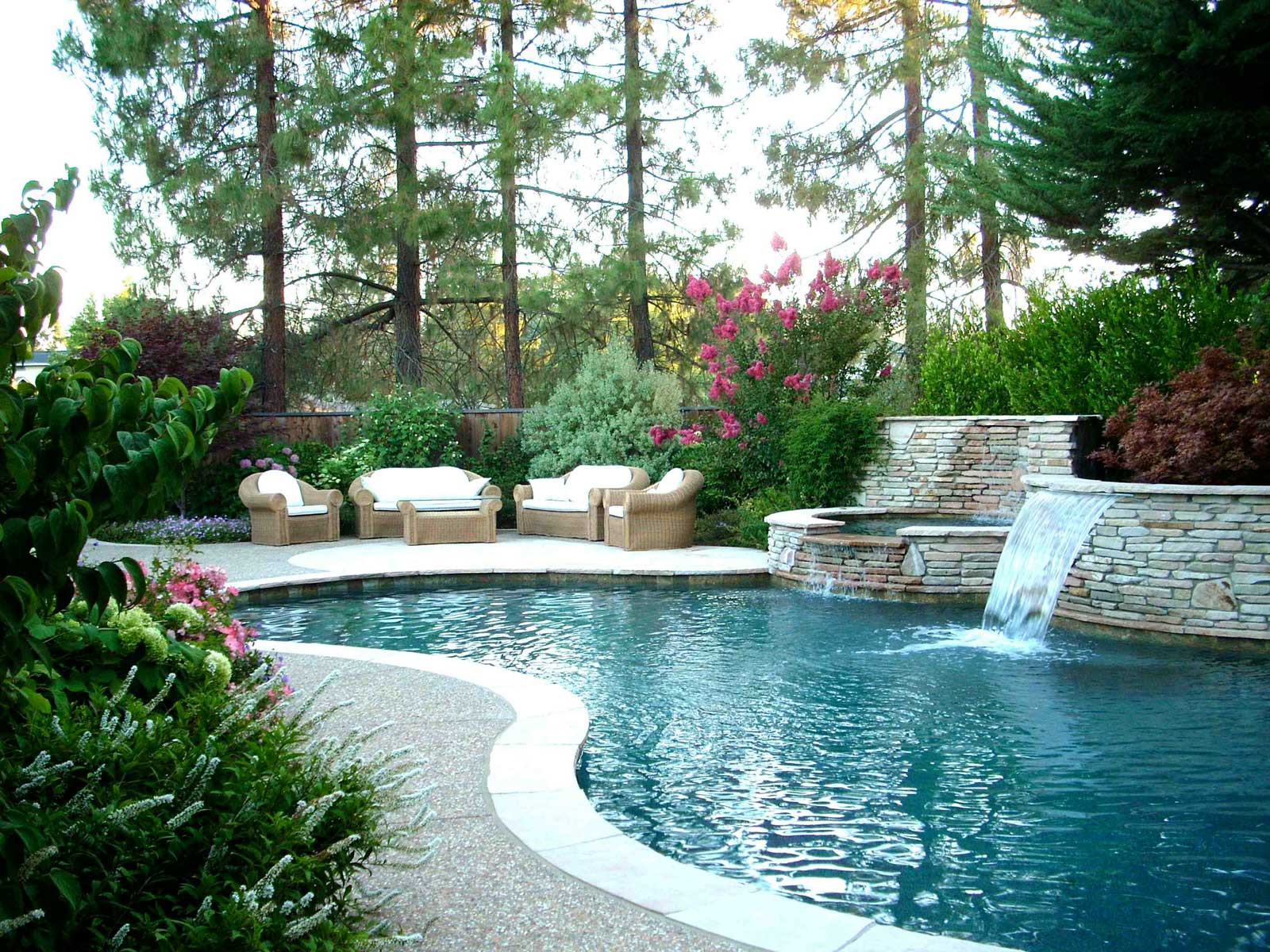 Outdoor Landscape Pool  Backyard Landscape Ideas with Natural Touch for Modern