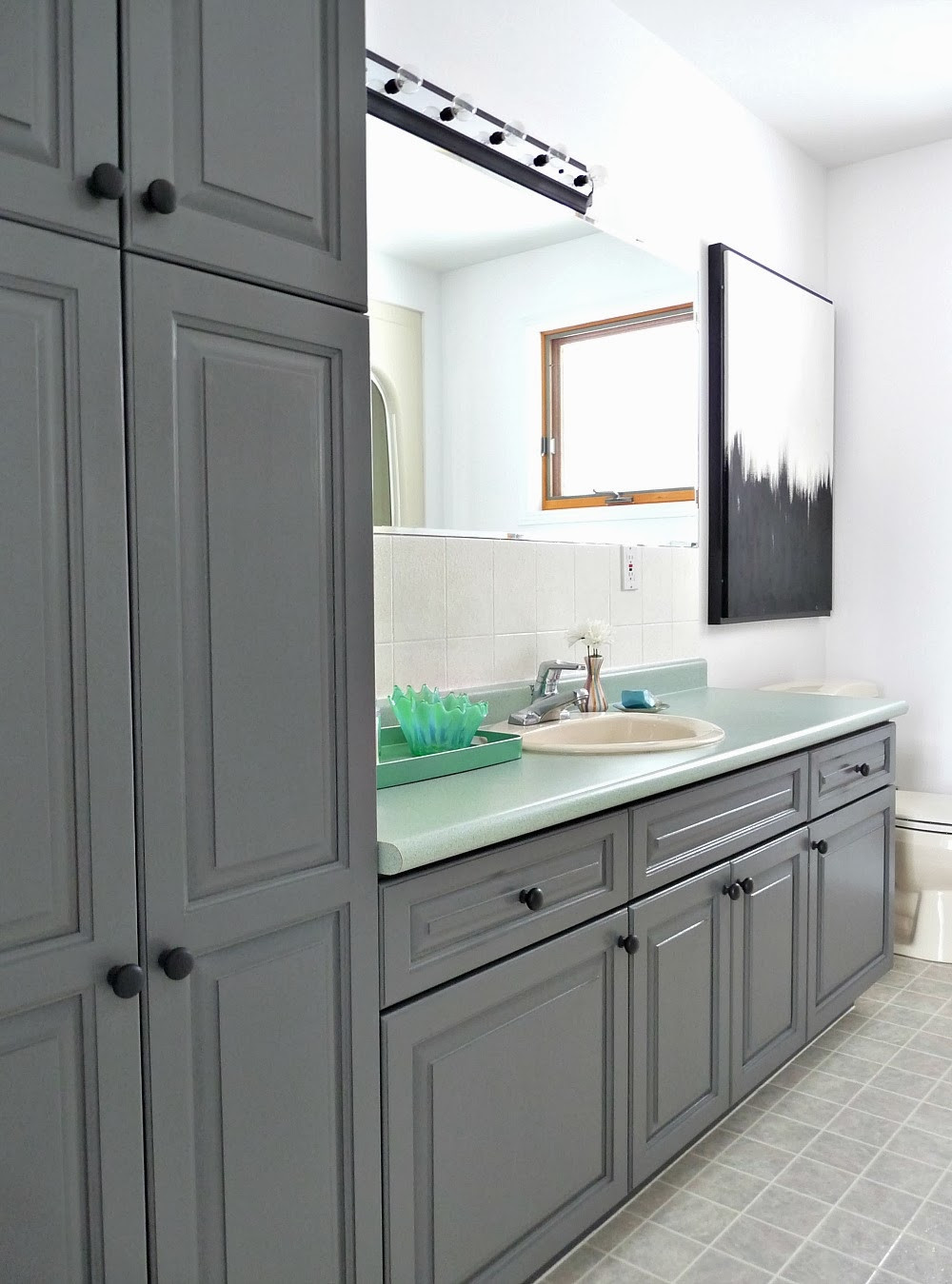 Paint To Use In Bathroom  A Bud Friendly Bathroom Makeover Using Paint
