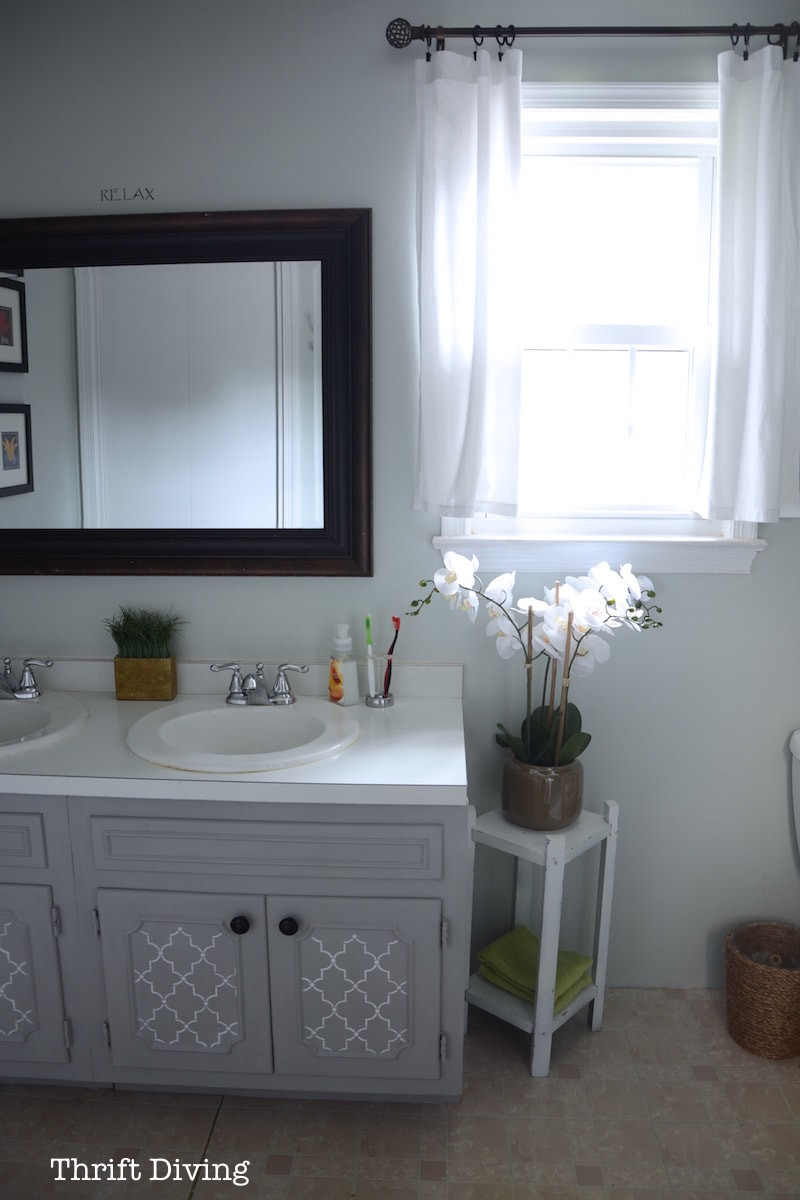 Paint To Use In Bathroom  BEFORE & AFTER My Pretty Painted Bathroom Vanity