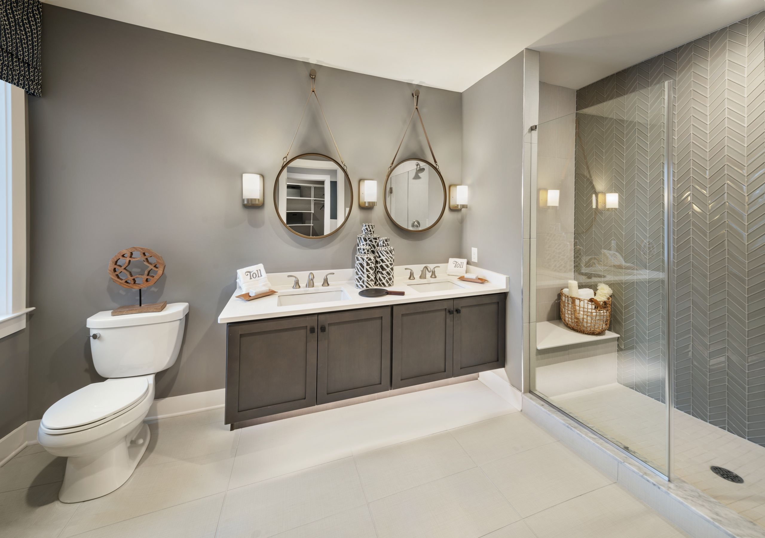 Paint To Use In Bathroom  Using Paint to Make The Most of Your Bathroom