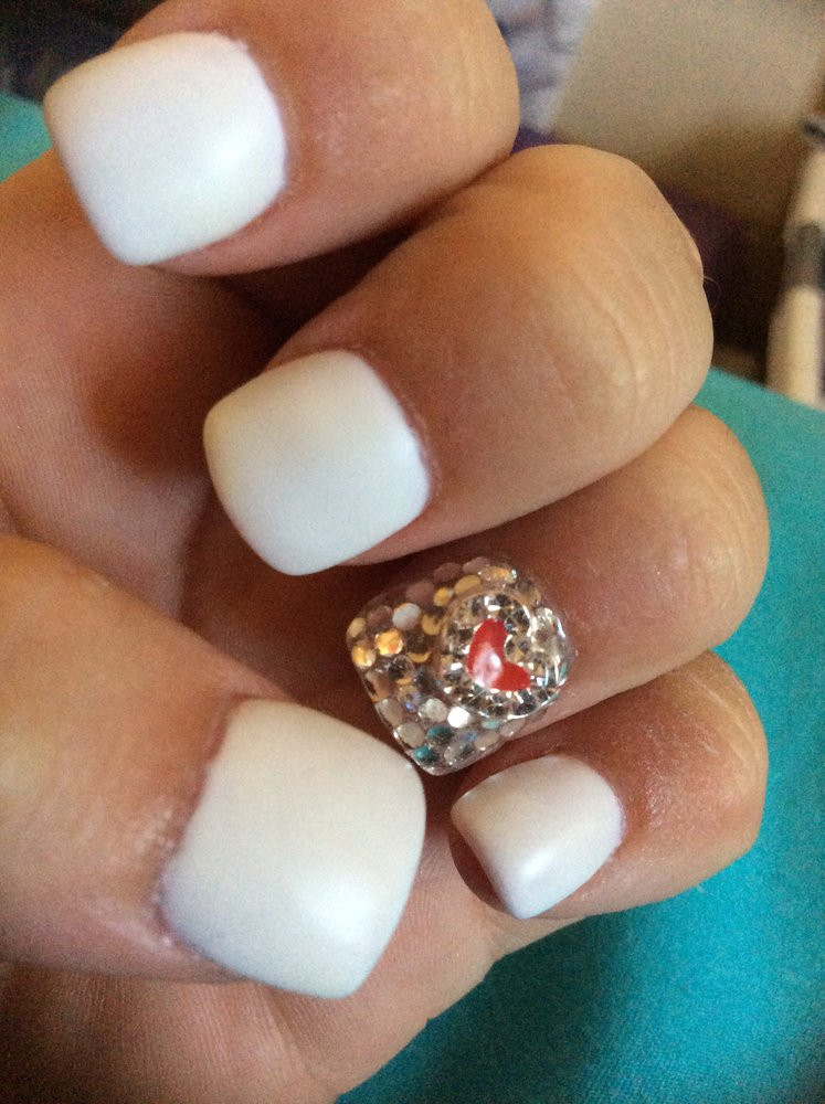 Pretty White Nails  Diamond covered accent nail with sealant white matte top
