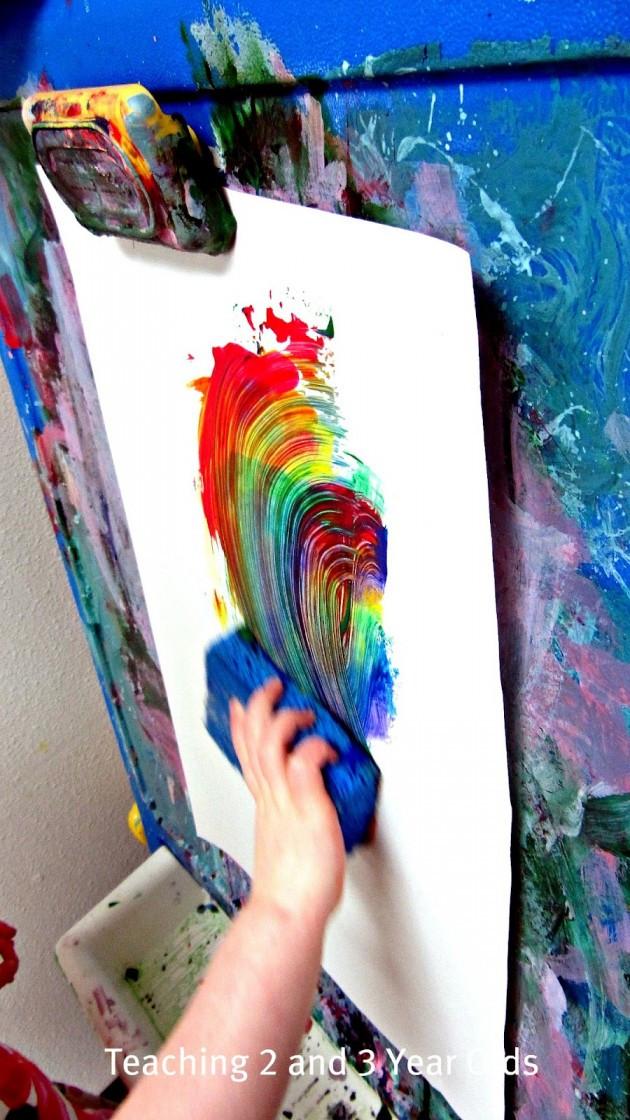 Rainbow Artwork For Preschoolers  Rainbow Sponge Painting on the Easel