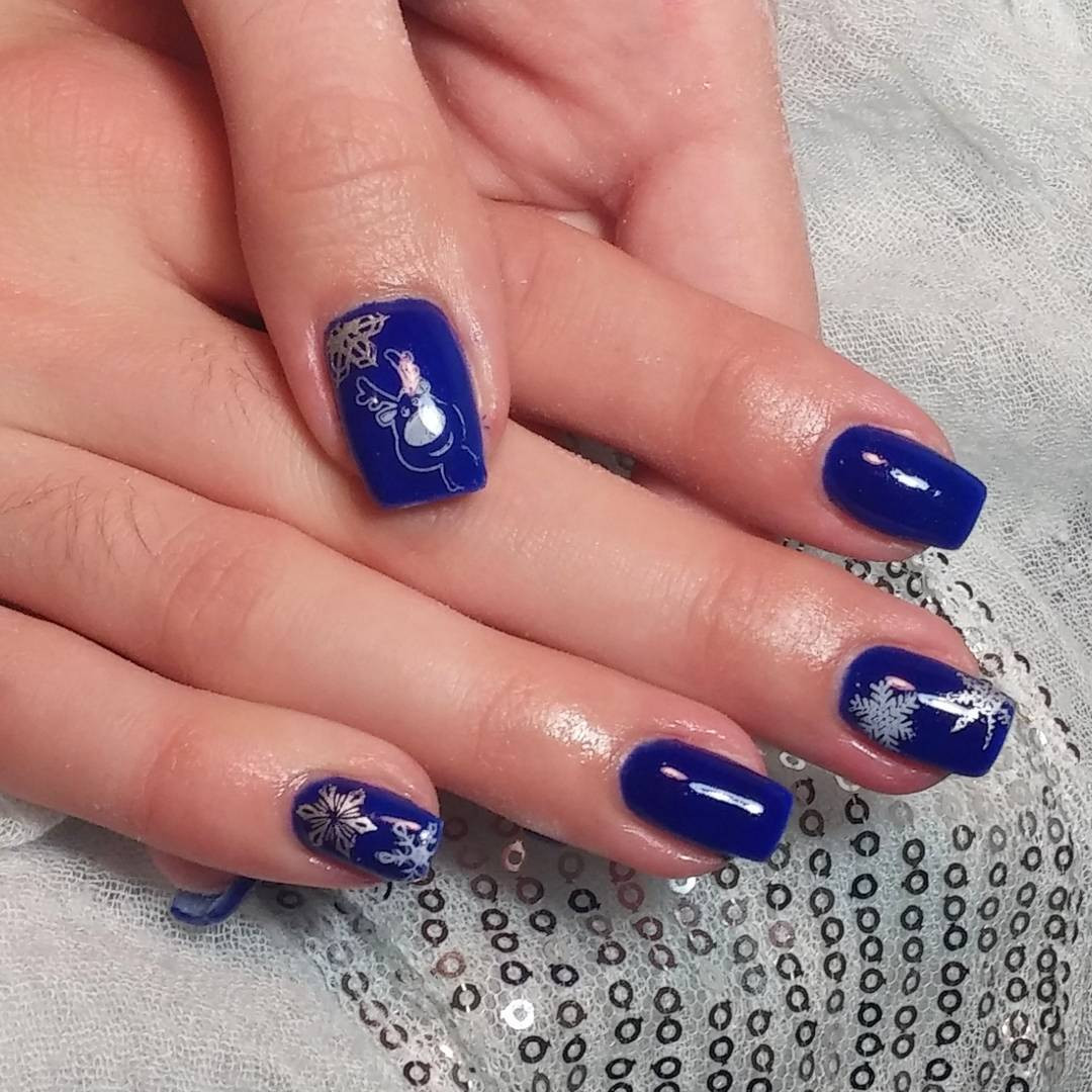 Royal Blue Nail Designs  21 Royal Blue Nail Art Designs Ideas