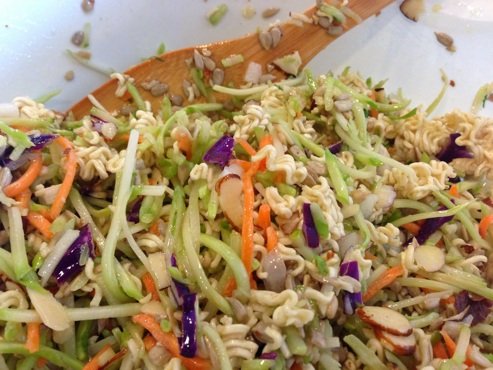 Salads With Ramen Noodles  MamaManagement Crunchy Ramen Noodle Salad…I am so in love