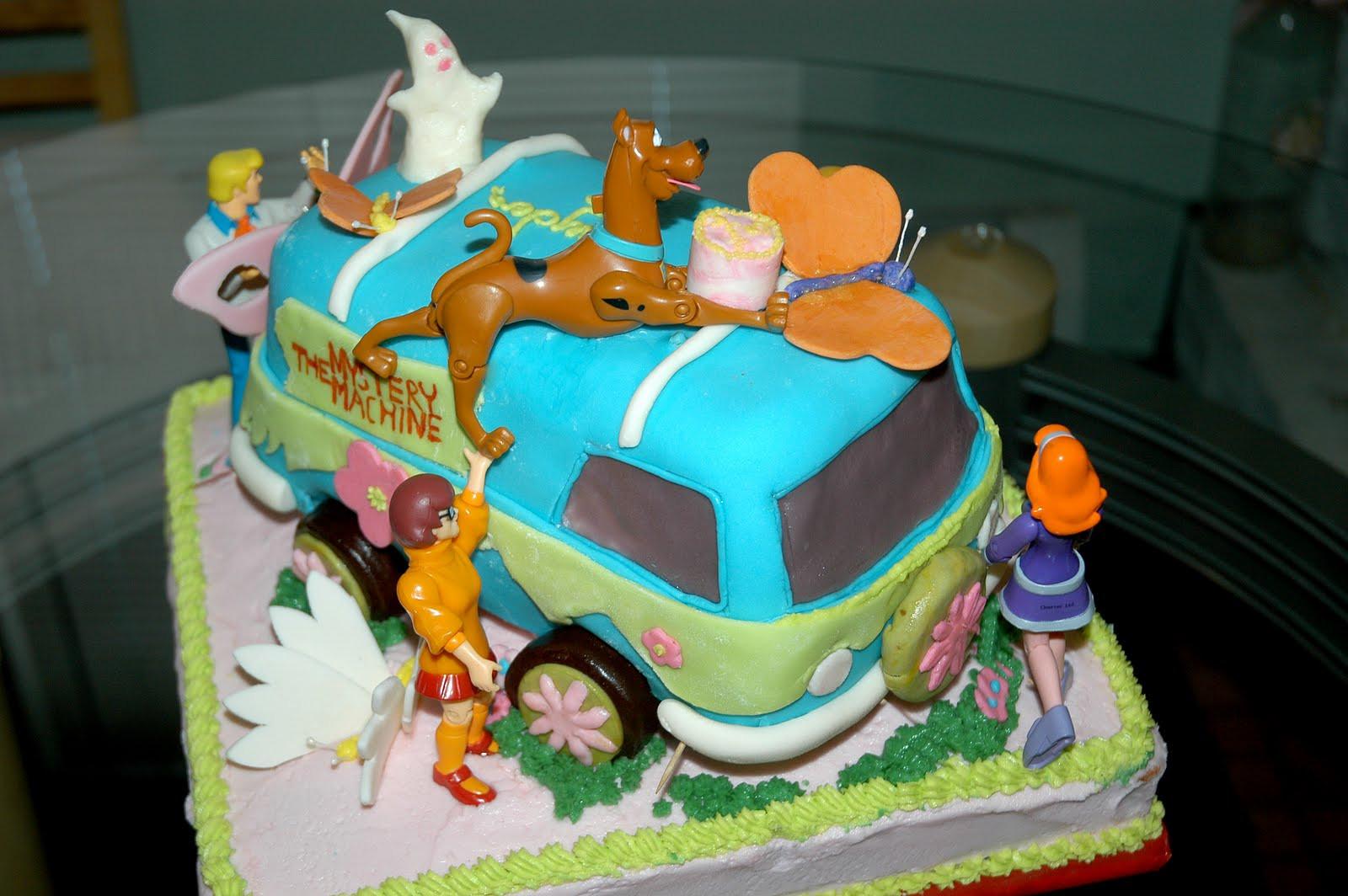 Scooby Doo Birthday Cakes  Creative Cakes Scooby Doo Happy Birthday to you