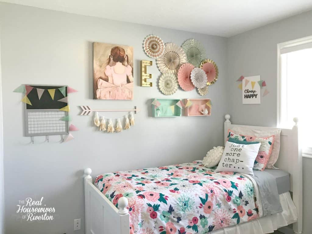 Small Bedroom Makeover  Girl s Small Bedroom Makeover Part 1 Housewives of Riverton