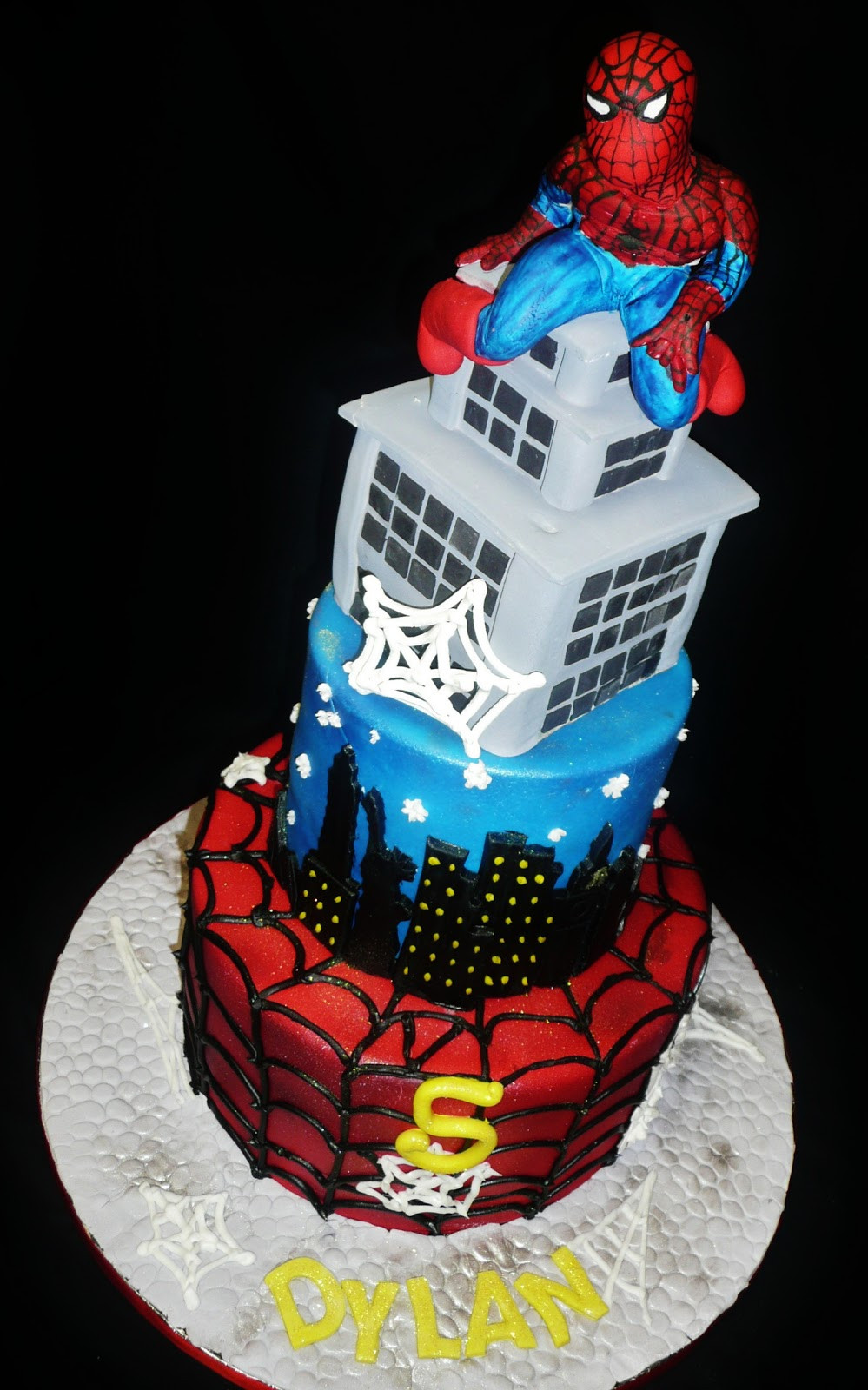 Spiderman Birthday Cakes  Baking with Roxana s Cakes Spiderman Birthday Cake