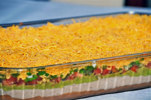 Super Bowl Mexican Recipes  Super Easy 7 Layer Dip for your Super Bowl Party