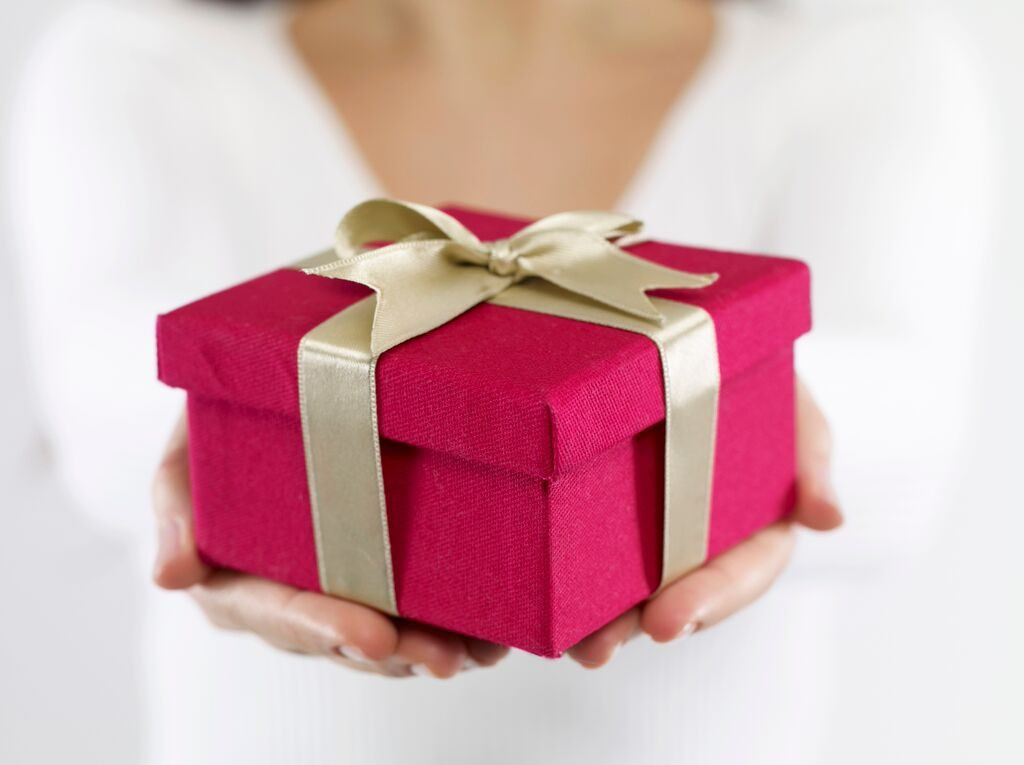 Top Birthday Gifts For Her  25 Excellent Birthday Gifts For Girls To Entice Her Mood