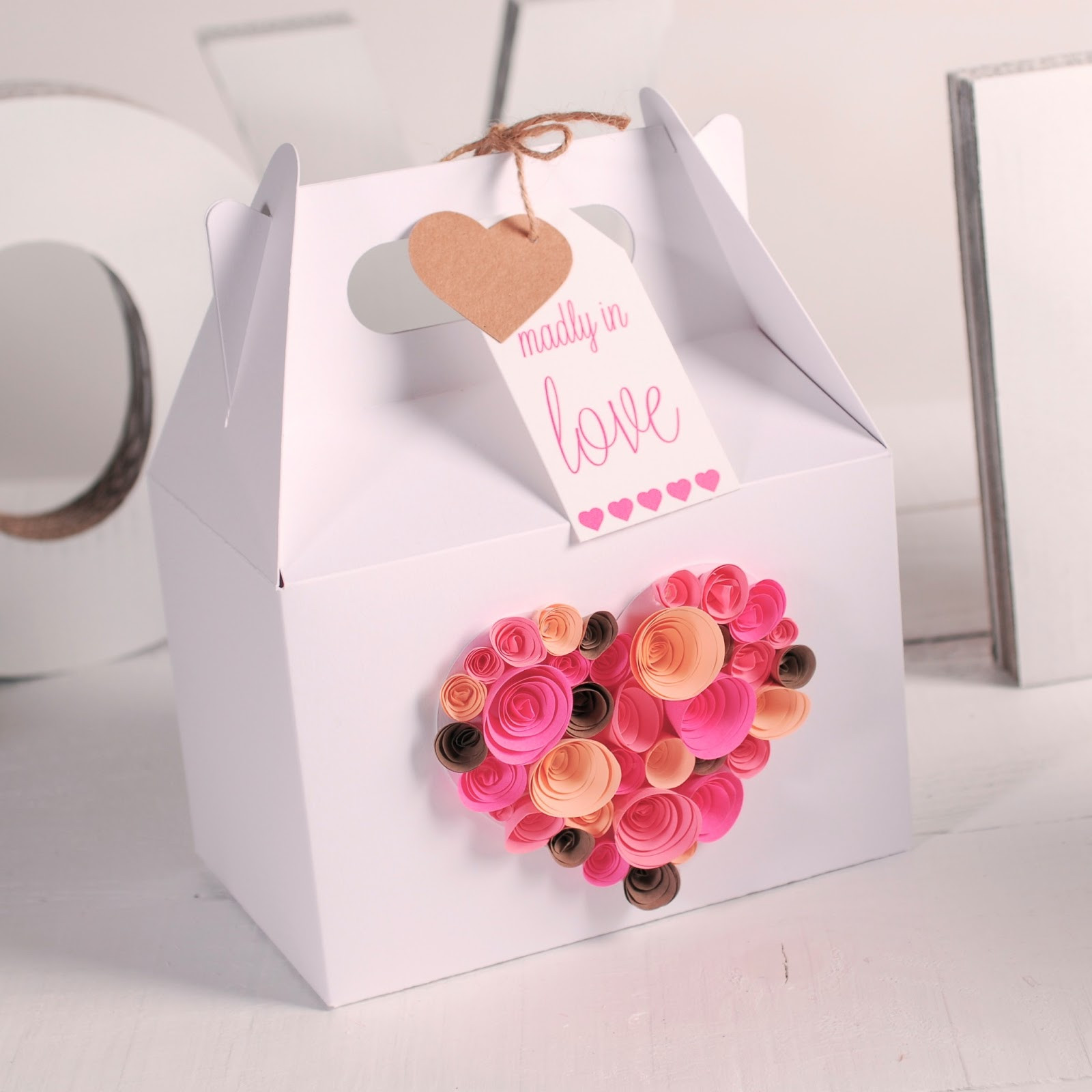Valentine Day Gift Wrapping Ideas  Gift wrapping ideas for Valentines Day How to decorate a