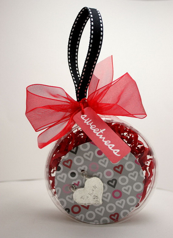 Valentine Day Gift Wrapping Ideas  Valentine's Day Gift Wrapping Ideas family holiday