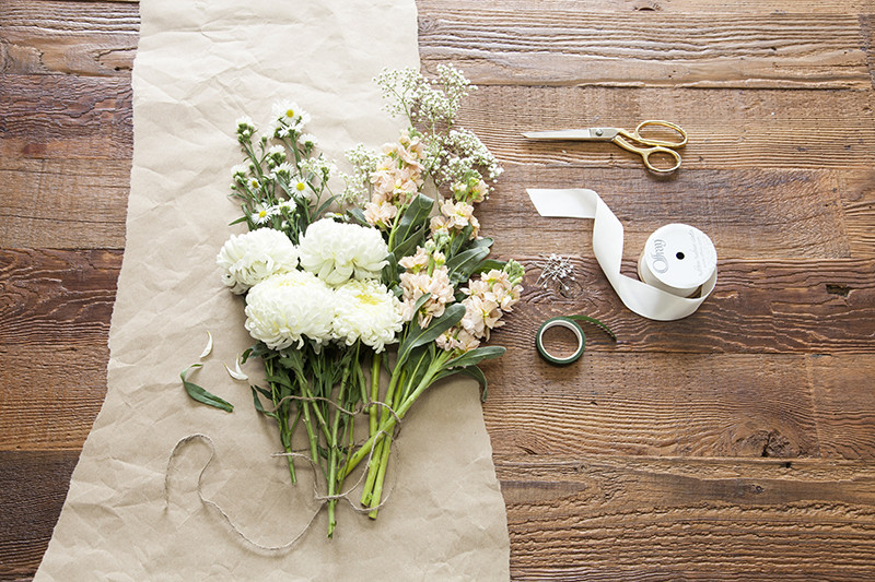 Wedding Bouquets DIY  Build Your Own Wedding Bouquet With This Easy DIY