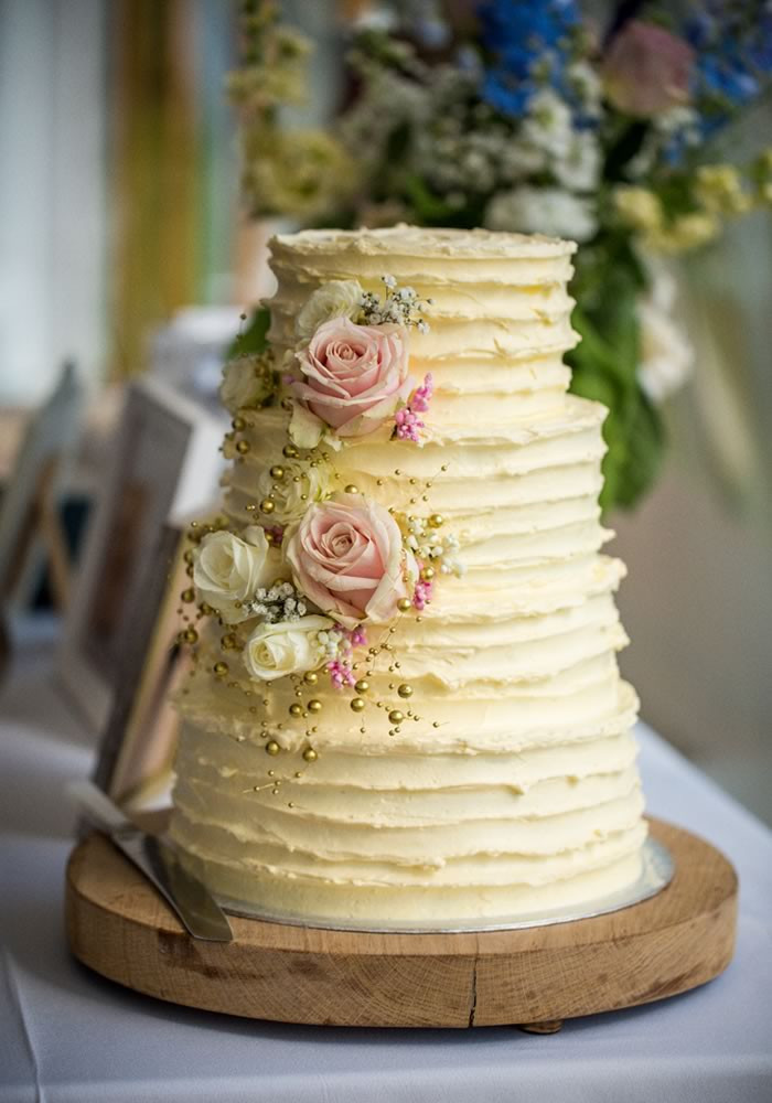 Wedding Cakes Simple  6 simple and sweet ideas to decorate your wedding cake