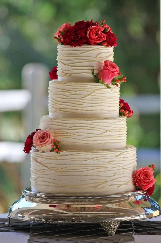 Wedding Cakes Simple  Simple Doesn t Mean Boring These Elegant Wedding Cakes