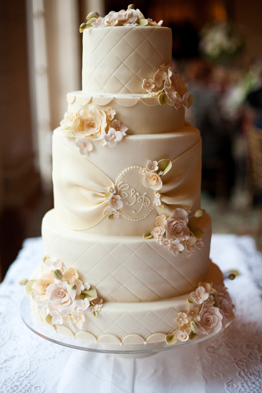 Wedding Cakes Simple  Absolutely Lavish Ivory and Gold An Absolute Royal