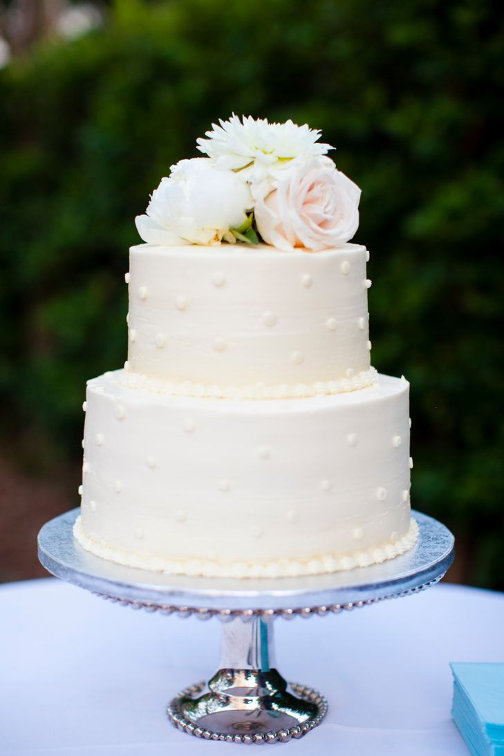 Wedding Cakes Simple  32 Simple yet Elegant Wedding Cakes That Really Inspire