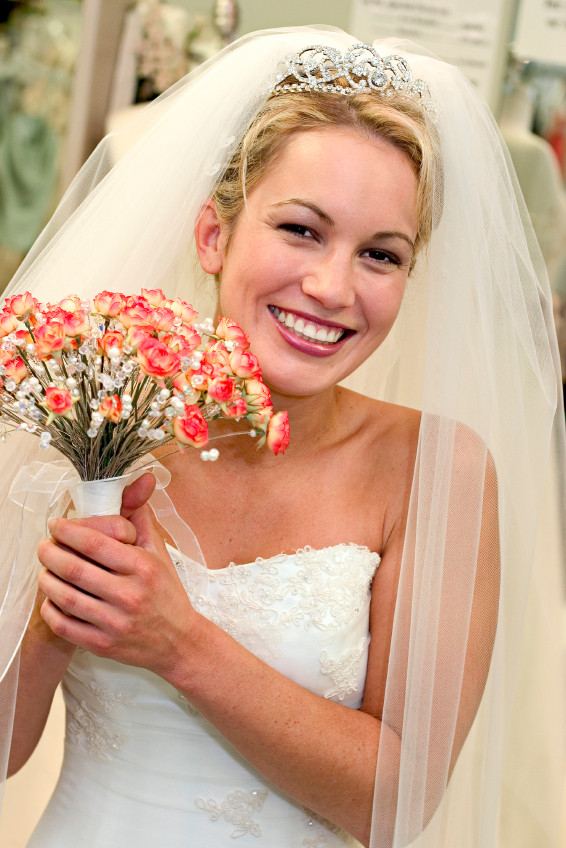 Wedding Veils With Long Hair  long wedding veils and tiaras