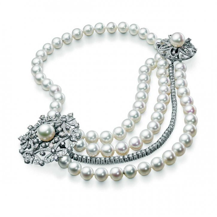 White Pearl Necklace  Pearl necklaces