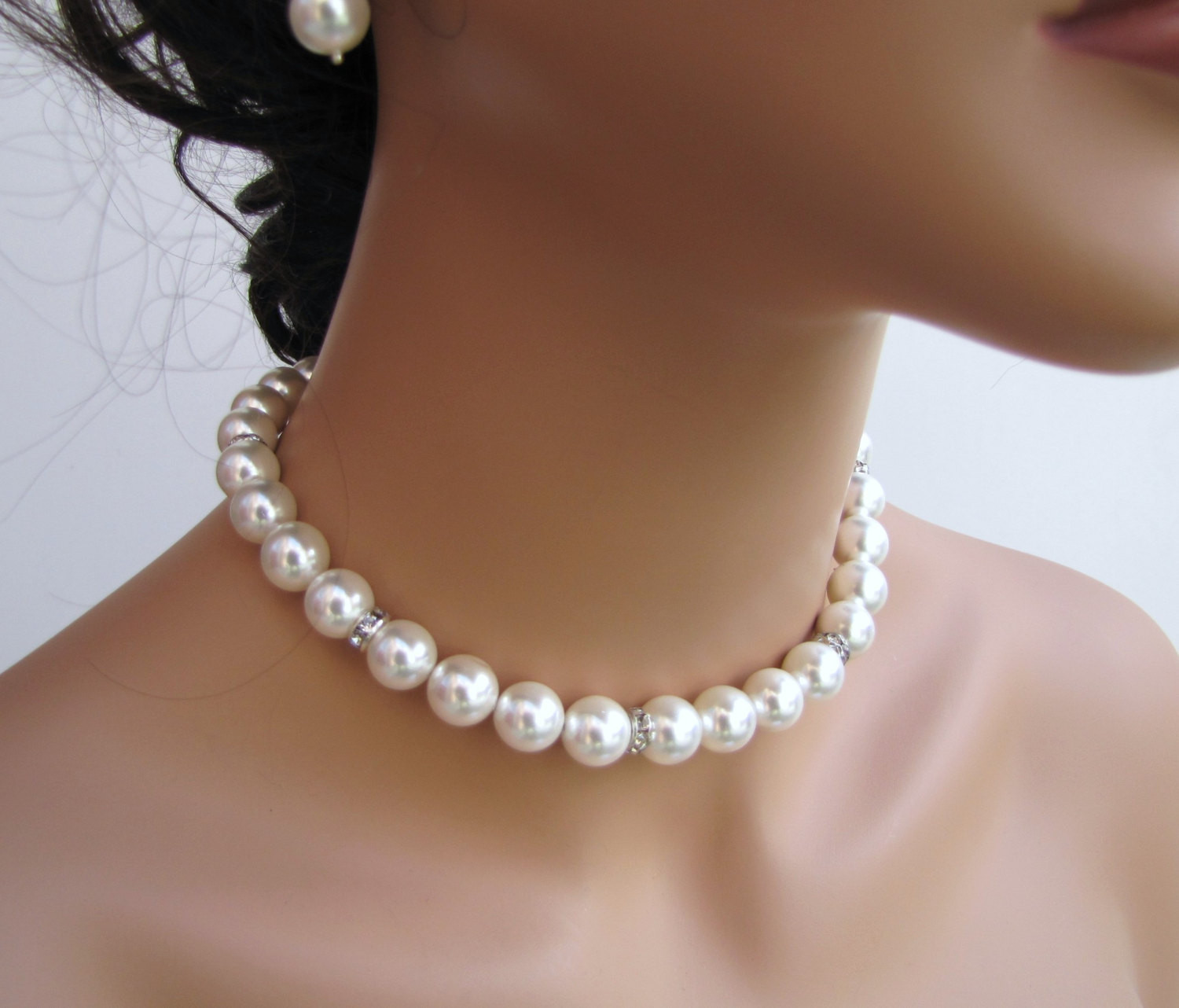 White Pearl Necklace  Simple white pearl necklace bridal necklace sea shell pearl